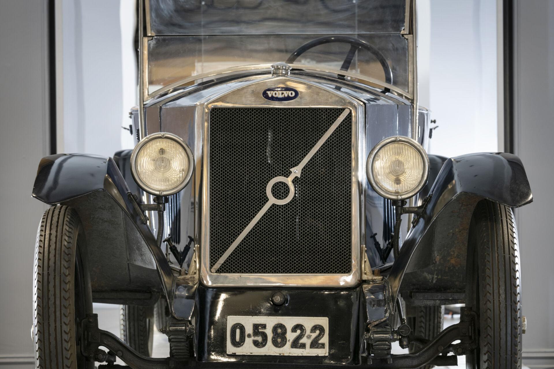 Volvo från 1926 framifrån